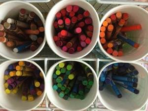 how to organize crayons