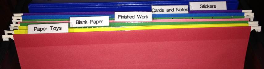 Desk Child  File folders 855 x 225